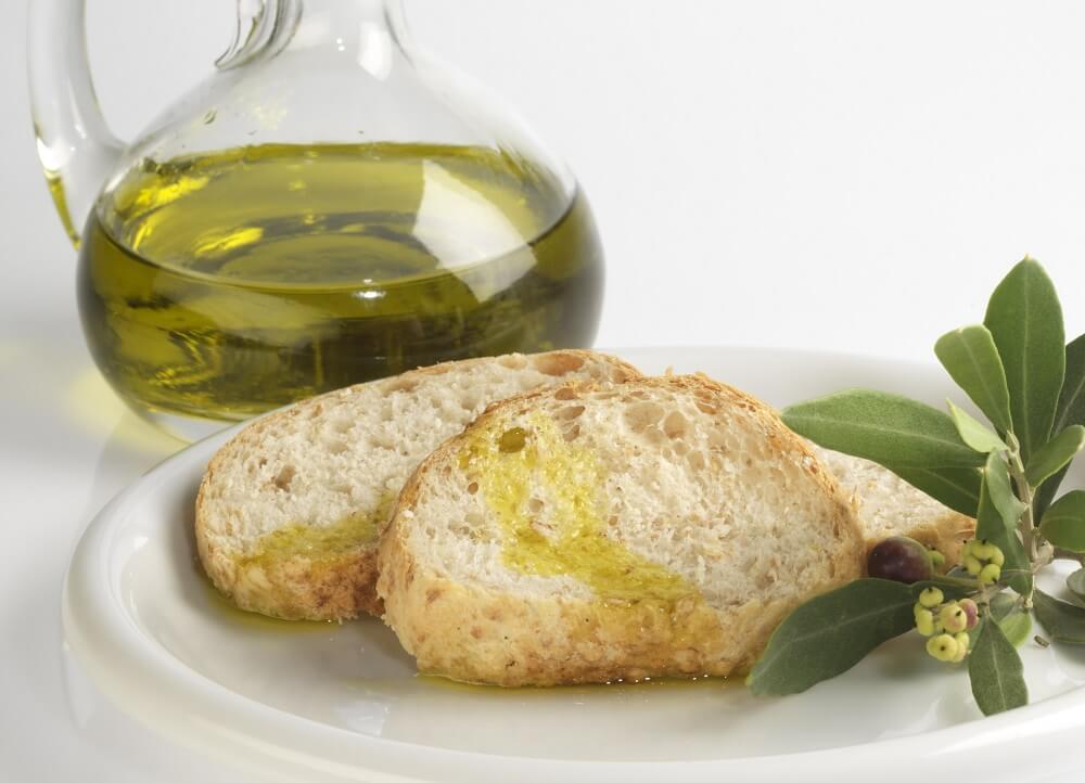 Pane e olio extravergine: una riserva naturale di salute